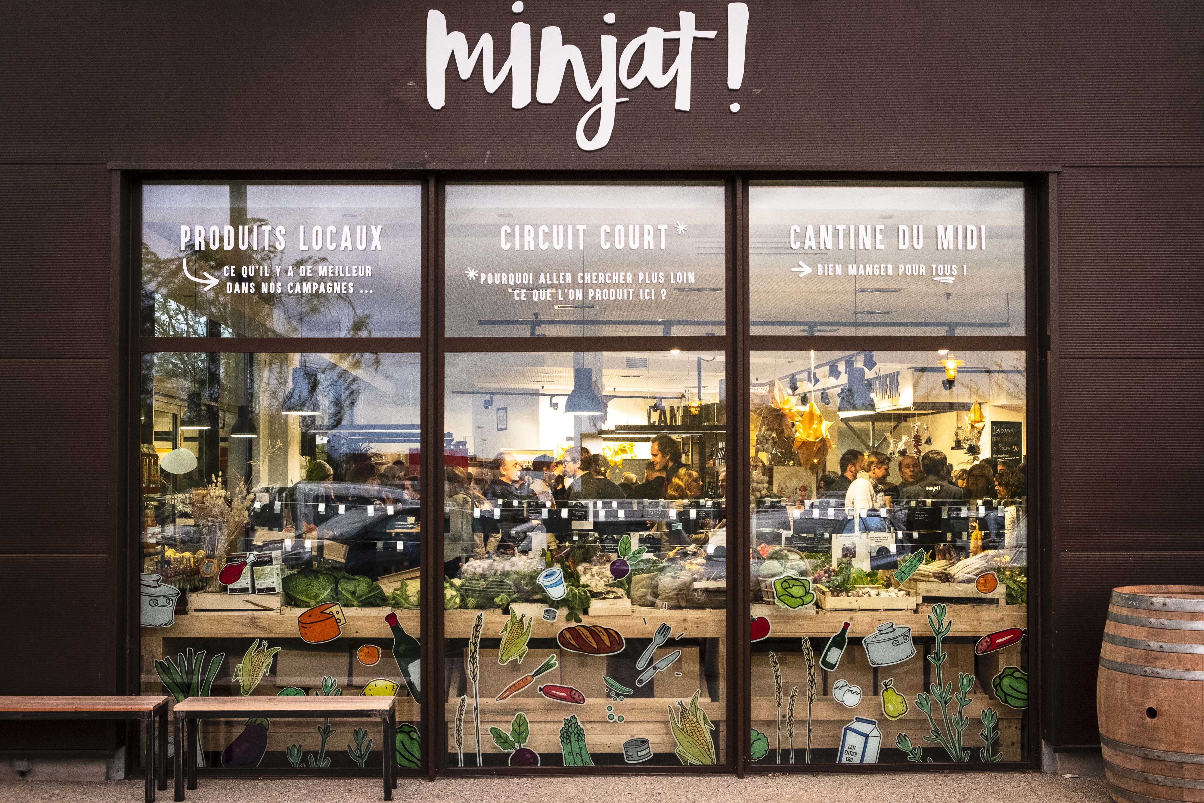 Minjat devanture magasin